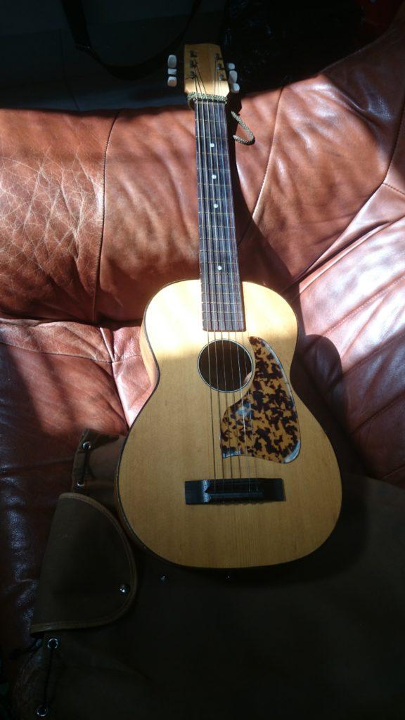3 Mini Guitar ca. 75 cm