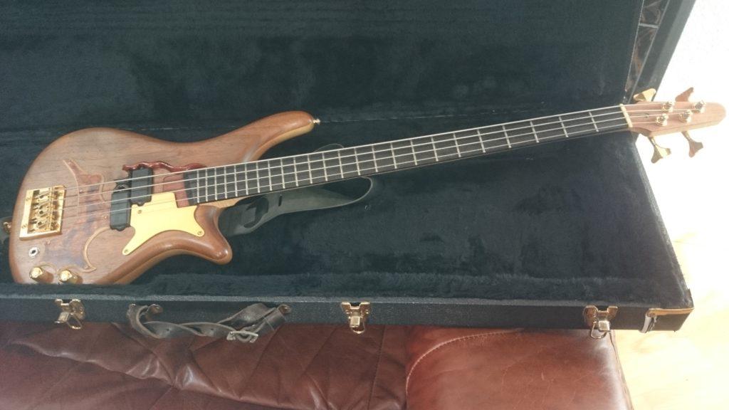 4a Nussbaum E-Bass 4 strings Gesamtansicht