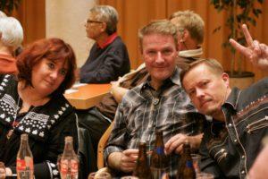 Blue Trail – v.l. Solange Dell, Bruno Bill, Artur Jurkschat